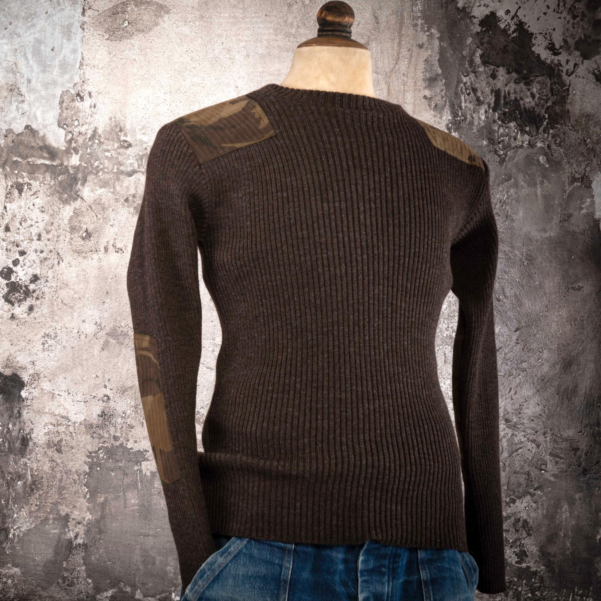 THE BROWN COMMANDO KNITWEAR