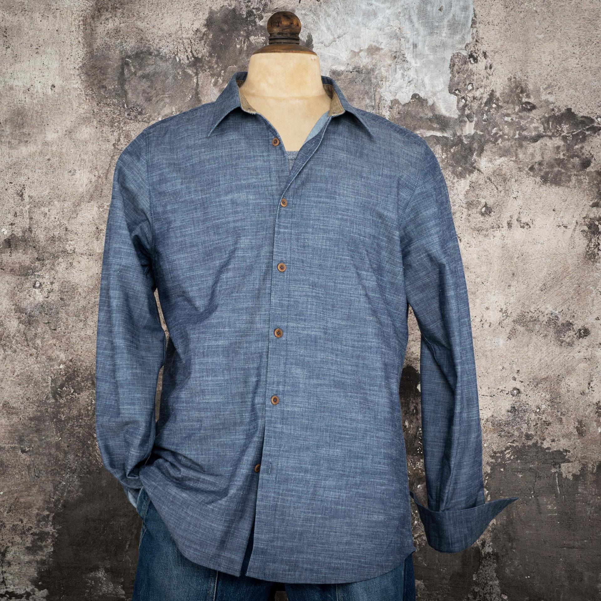 "THE ""CLASSIC"" SHIRT CHAMBRAY"